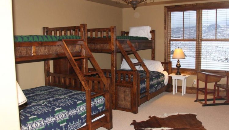Vacation Rental – Missouri Heights Lodge